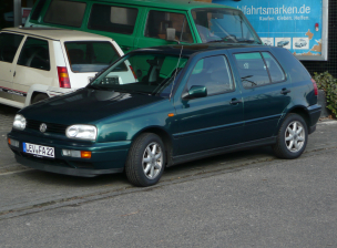 VW Golf 3 Grun (300) (1)