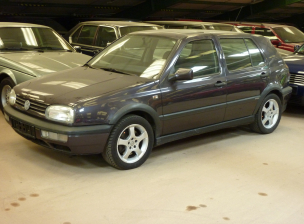 VW Golf 3 Obergine (301) (1)