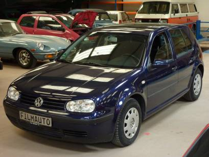 VW Golf IV Blau