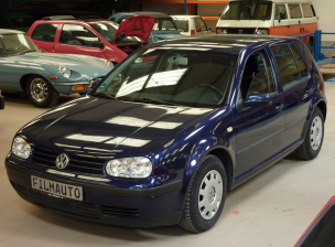 VW Golf 4 Blaumet (305) (1)